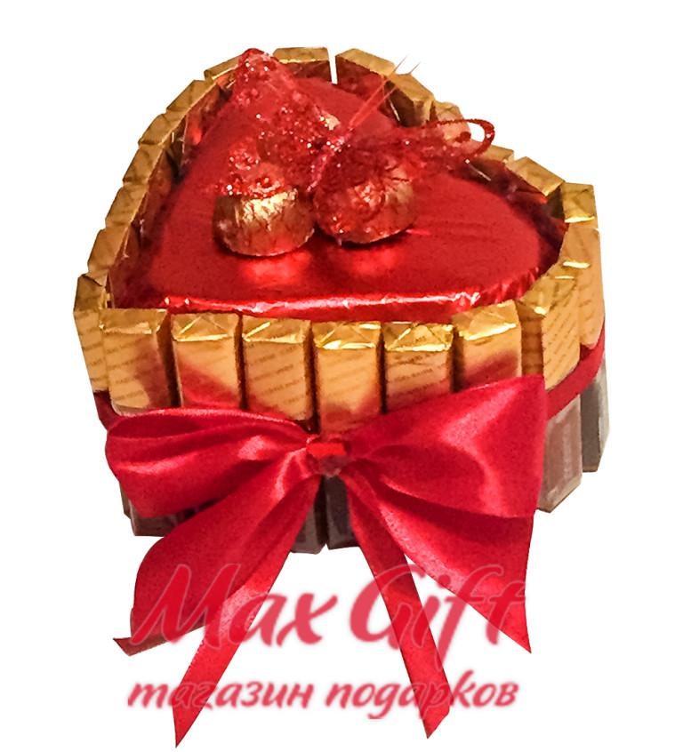 """Торт из конфет """"Сердечко"""""""